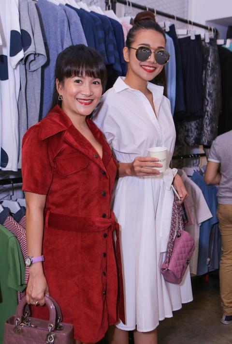Thanh Hang dua don ba xa Binh Minh di su kien hinh anh 3