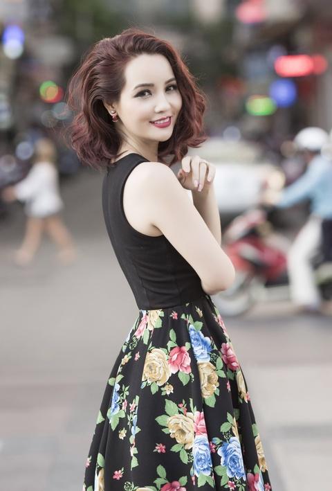 Mai Thu Huyen goi y 6 set do dao pho cuoi tuan hinh anh 9