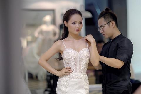 Quang Tuan dua ba xa di thu trang phuc cuoi hinh anh 2