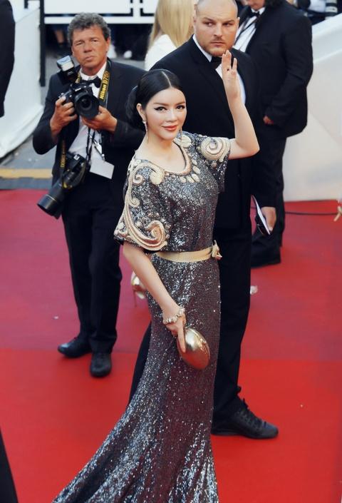 Ly Nha Ky mac kin dao sau nghi van bi lo nguc o Cannes hinh anh 7