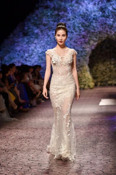 Le Quyen, Thu Phuong dien thoi trang o show Hoang Hai hinh anh 4