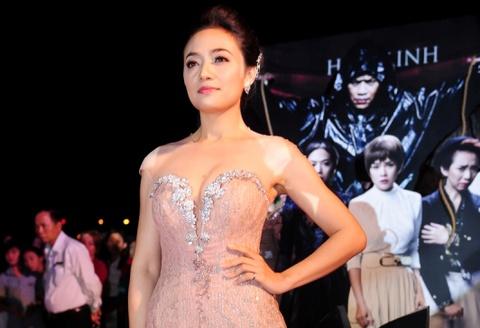 Tinna Tinh noi ve phan ung cua dao dien Le Hoang khi xem phim 'Mat na mau' hinh anh