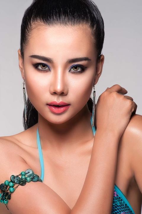Lai Thanh Huong tu van trang diem mua he hinh anh 1