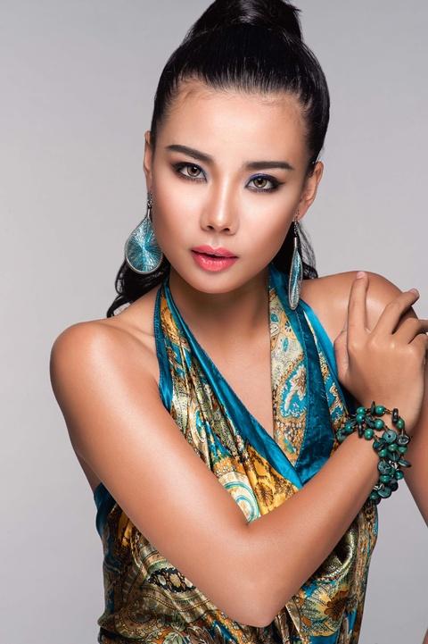 Lai Thanh Huong tu van trang diem mua he hinh anh 6