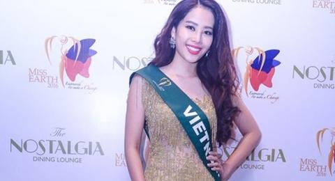 Nam Em dien lai vay cua Pham Huong du tiec o Miss Earth hinh anh