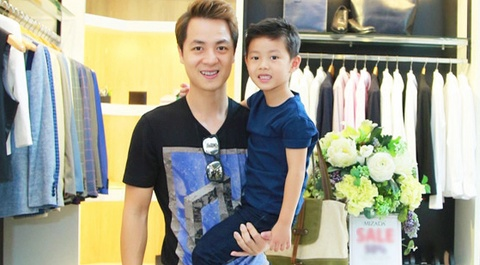 Dang Khoi va con trai dien do doi sanh dieu hinh anh