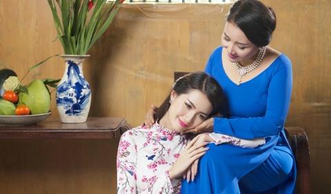 Phan Thi Mo va Ngan Quynh dien ao dai nen na don xuan hinh anh