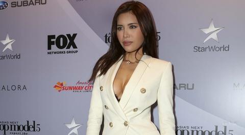 Minh Tu dien vest xe sau du hop bao Asia's Next Top Model o Hong Kong hinh anh