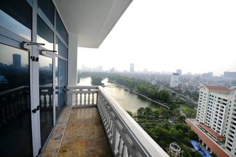 Phong Hoang gia don hon 70 nguyen thu tai Ha Noi hinh anh 4