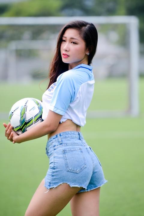 A khoi Nguoi dep Ha Long co vu tuyen Anh hinh anh 4