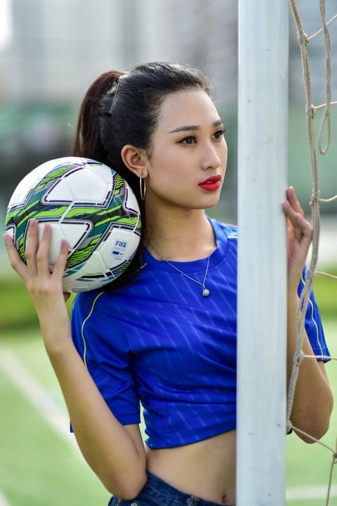 Top 5 Hoa khoi Ao dai doan Italy thang Tay Ban Nha ty so 2-1 hinh anh 6