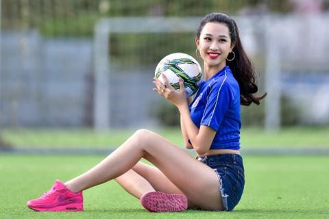 Top 5 Hoa khoi Ao dai doan Italy thang Tay Ban Nha ty so 2-1 hinh anh 3