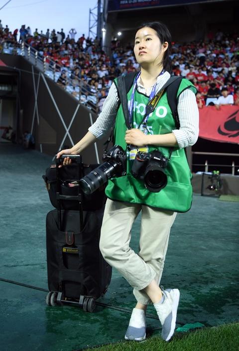 Nhung bong hong phong vien anh U20 World Cup tai Han Quoc hinh anh 12