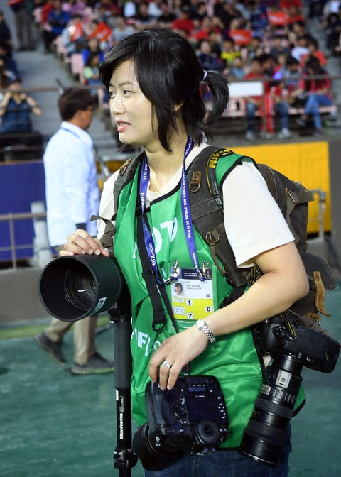 Nhung bong hong phong vien anh U20 World Cup tai Han Quoc hinh anh 13