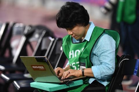 Nhung bong hong phong vien anh U20 World Cup tai Han Quoc hinh anh 7