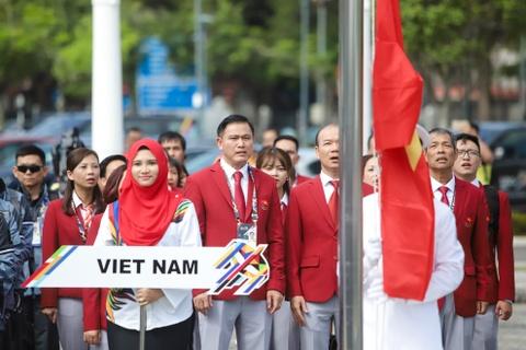 Quoc ky Viet Nam tung bay tai le thuong co SEA Games 29 hinh anh