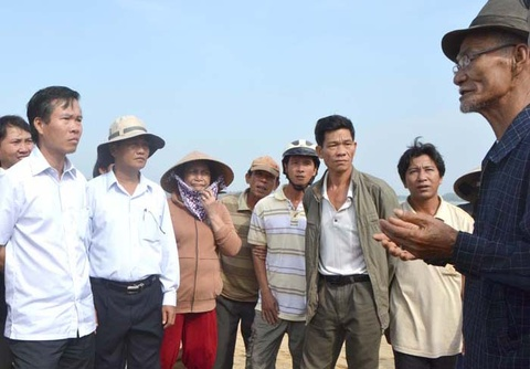 Bi thu Quang Ngai doi thoai voi dan tai cua bien hinh anh