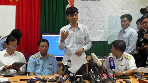 Thu truong Pham Quy Tieu tra loi bao chi ngay 12/3 hinh anh