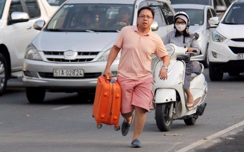 Chu tich Quoc hoi: Tan Son Nhat la noi am anh cua khach di may bay hinh anh