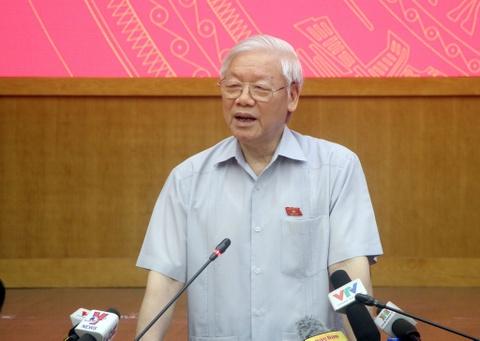 Tong bi thu Nguyen Phu Trong tiep xuc cu tri Ha Noi hinh anh