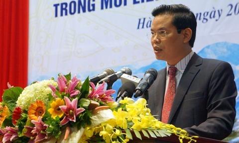 Bi thu Ha Giang Trieu Tai Vinh len tieng ve viec con duoc nang diem hinh anh