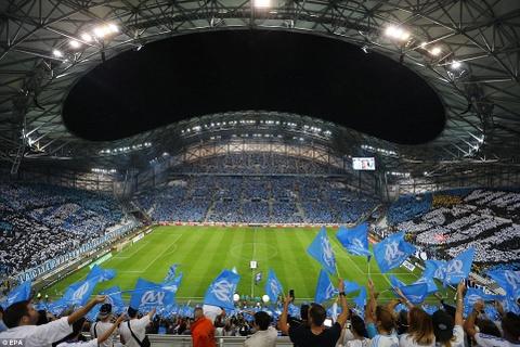 Vé các trận chung kết bóng đá được 'phe lại' thế nào trên thế giới?