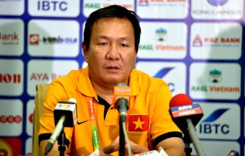 HLV Hoang Van Phuc chi xin loi, quyet khong tu chuc hinh anh