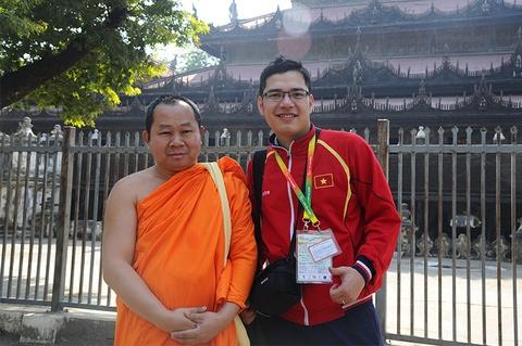 Nguoi dan Myanmar noi 'Viet Nam vo dich' hinh anh