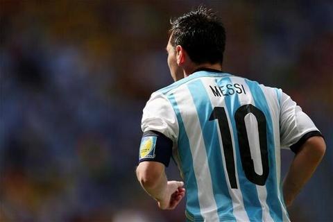 Khong can chuc vo dich, Messi van vi dai hinh anh