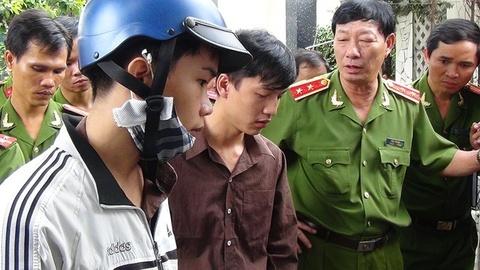 3 bi can vu tham sat Binh Phuoc hay khoc trong tu hinh anh