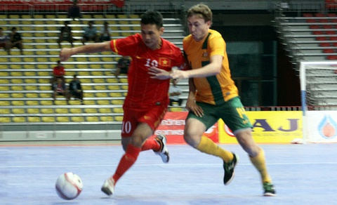 Thua Australia, Viet Nam tranh hang ba giai Futsal DNA 2013 hinh anh