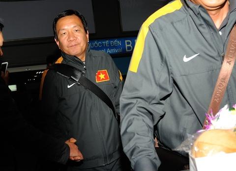 U23 Viet Nam met moi o san bay Noi Bai hinh anh
