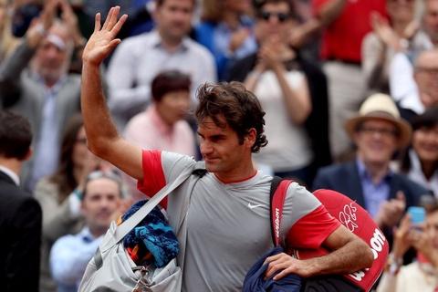 Thua nguoc Gulbis, Federer chia tay Roland Garros hinh anh