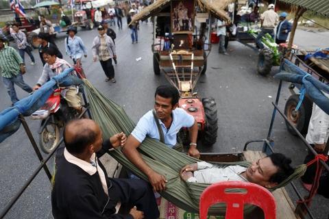 Doan may cay tran vao cua ngo thu do Thai Lan hinh anh