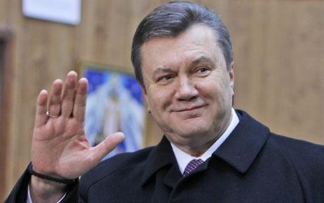 Interpol xem xet lenh truy na Yanukovych hinh anh