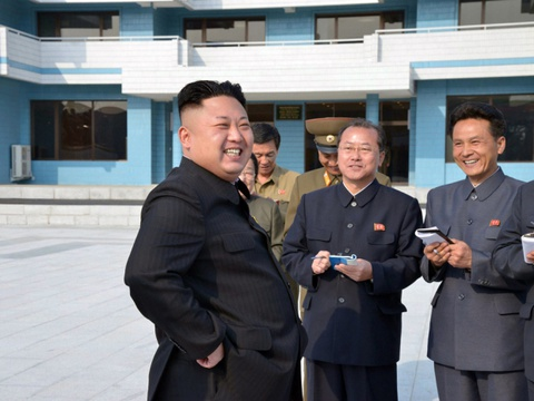 Kim Jong Un tham Trai he thieu nhi quoc te Songdowon hinh anh