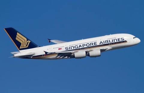 Phi co Singapore Airlines ha canh an toan sau moi de doa bom hinh anh