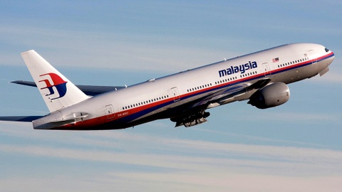 Vat the nghi thuoc MH370 troi dat bo bien Mozambique hinh anh