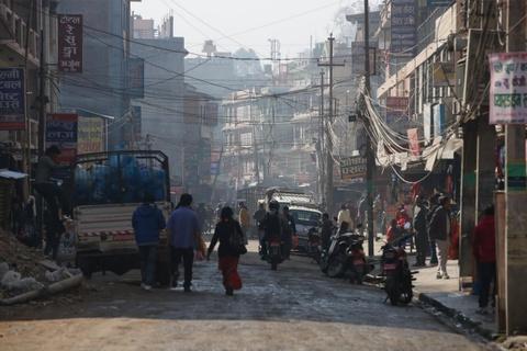 Nhung vet seo chua lanh mot nam sau dong dat Nepal hinh anh 14