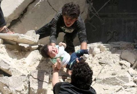 benh vien syria bi khong kich hinh anh