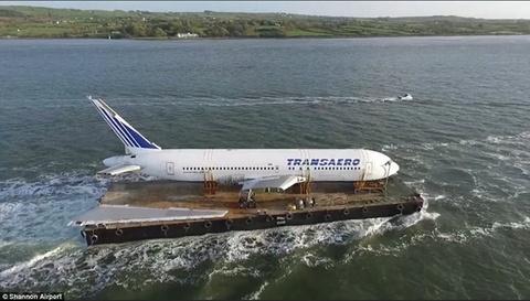 Boeing 767 vuot bien vao top anh an tuong nhat tuan hinh anh 6