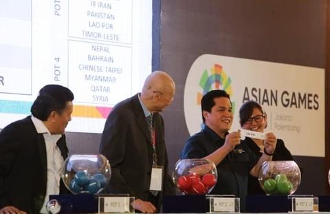 Cac HLV doi U23 len tieng ve viec boc tham lai ASIAD 2018 hinh anh