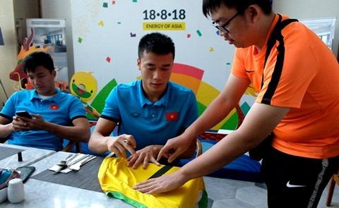 Fan cuong Indonesia va tinh cam dac biet voi Olympic Viet Nam hinh anh