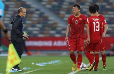 Trong Hoang nhan the vang nhanh nhat Asian Cup 2019 hinh anh