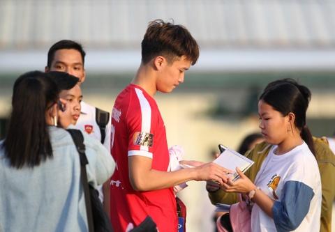 Bo doi hoc tro ong Park thu tha truoc tran gap Sai Gon FC hinh anh 10