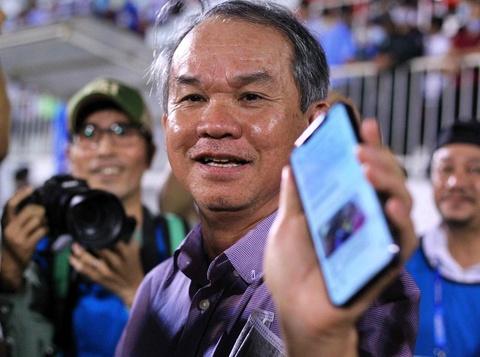 Bầu Đức phê phán chủ tịch CLB Than Quảng Ninh