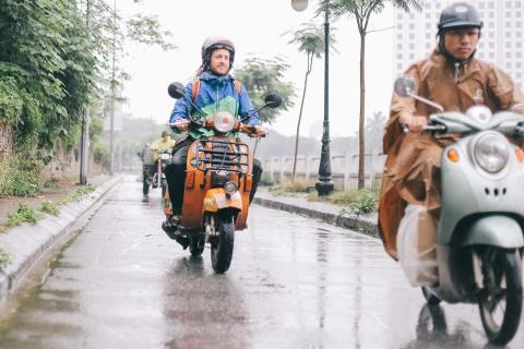 Chang trai di xe may tu Italy den Viet Nam trong 10 thang hinh anh 11