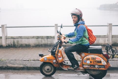 Chang trai di xe may tu Italy den Viet Nam trong 10 thang hinh anh 8