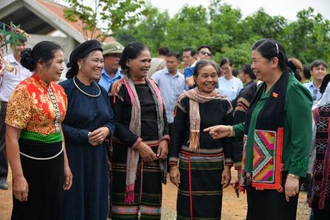 Pho chu tich Quoc hoi tham Lang van hoa cac dan toc Viet Nam hinh anh 14