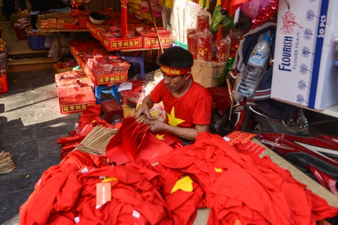 Nguoi dan Ha Noi tap nap mua do co vu U23 Viet Nam hinh anh 14